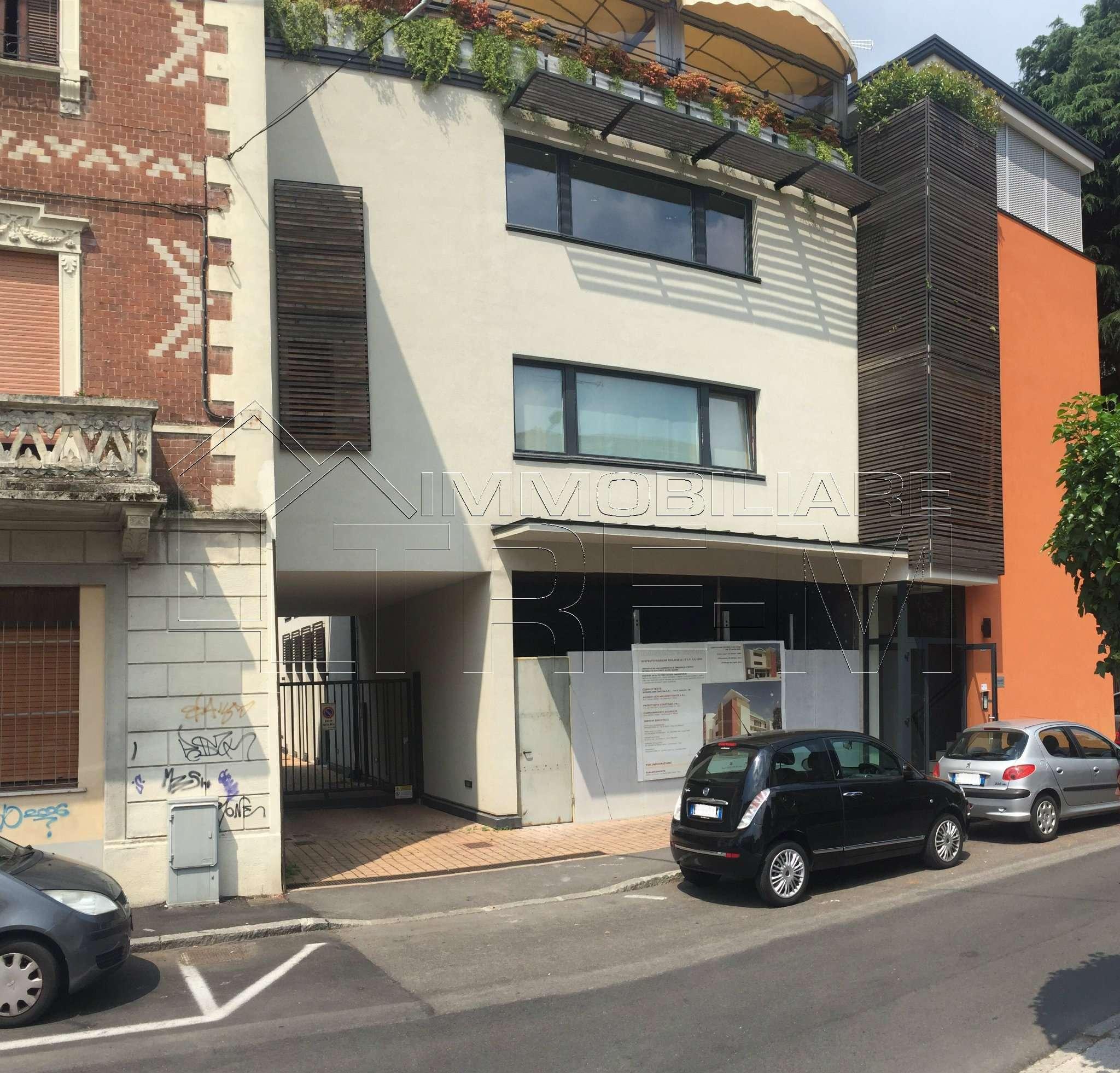 Case rho vendite case rho affitti rho for 3 piani di garage per auto con stanza bonus