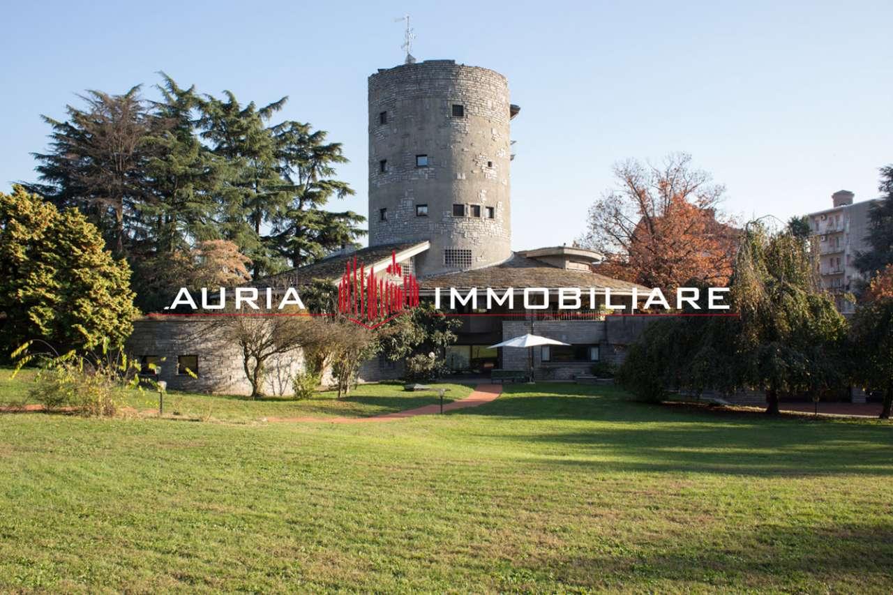 Villa in vendita a Parabiago, 5 locali, Trattative riservate | CambioCasa.it
