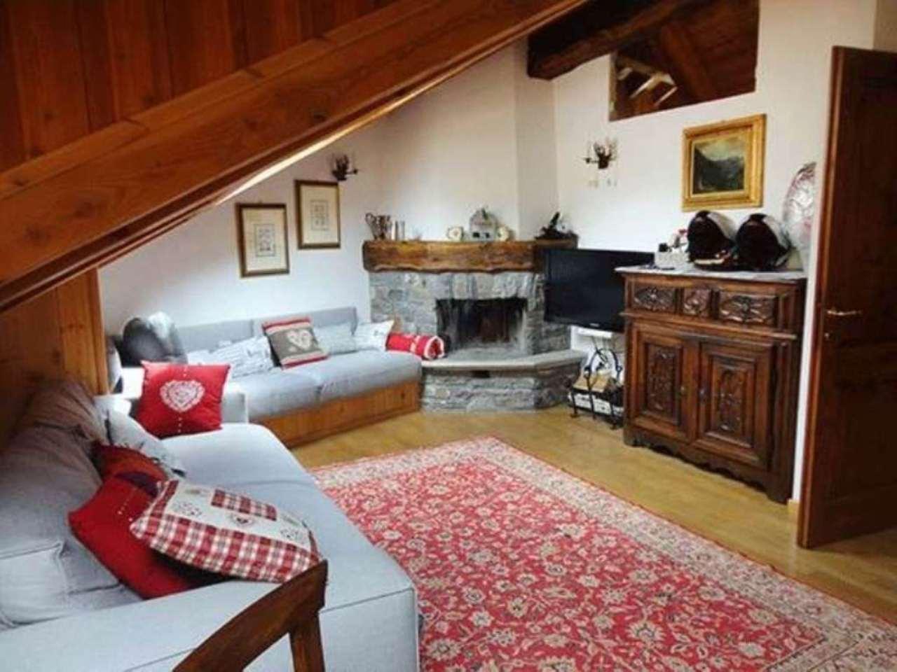 Attico / Mansarda in vendita a Courmayeur, 3 locali, prezzo € 480.000 | Cambio Casa.it