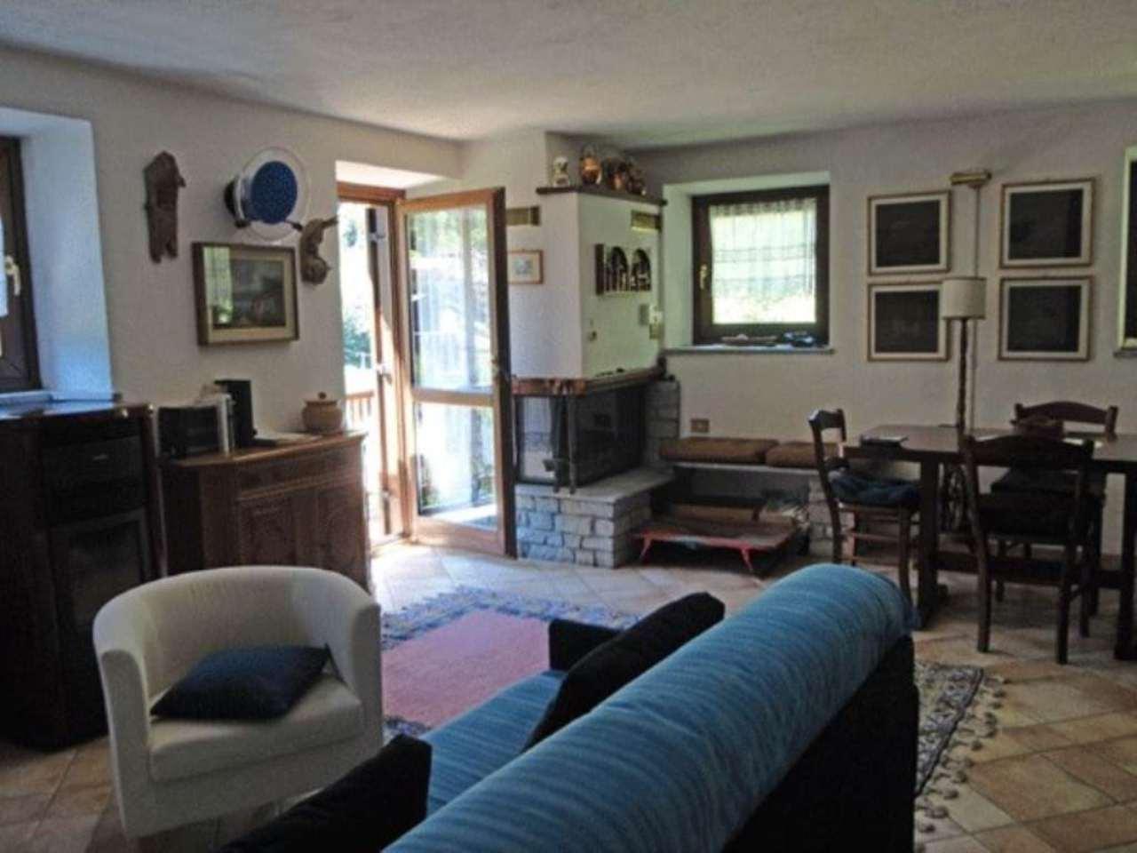 Appartamento in vendita a Prè-Saint-Didier, 2 locali, prezzo € 220.000 | Cambio Casa.it