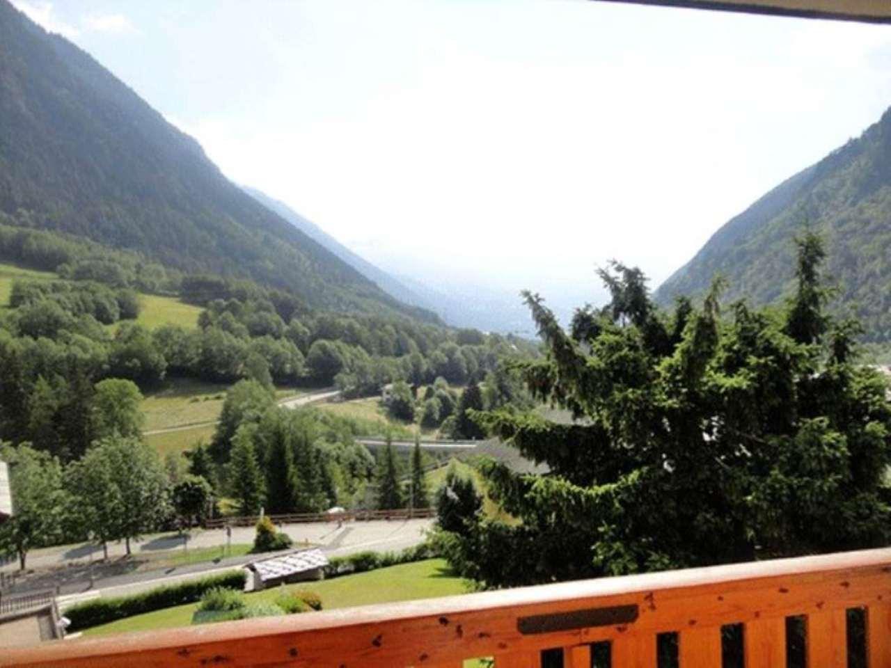 Appartamento in vendita a Prè-Saint-Didier, 3 locali, prezzo € 330.000 | Cambio Casa.it