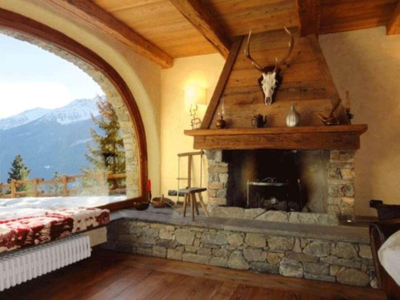 Villa in vendita a La Salle, 6 locali, Trattative riservate | Cambio Casa.it