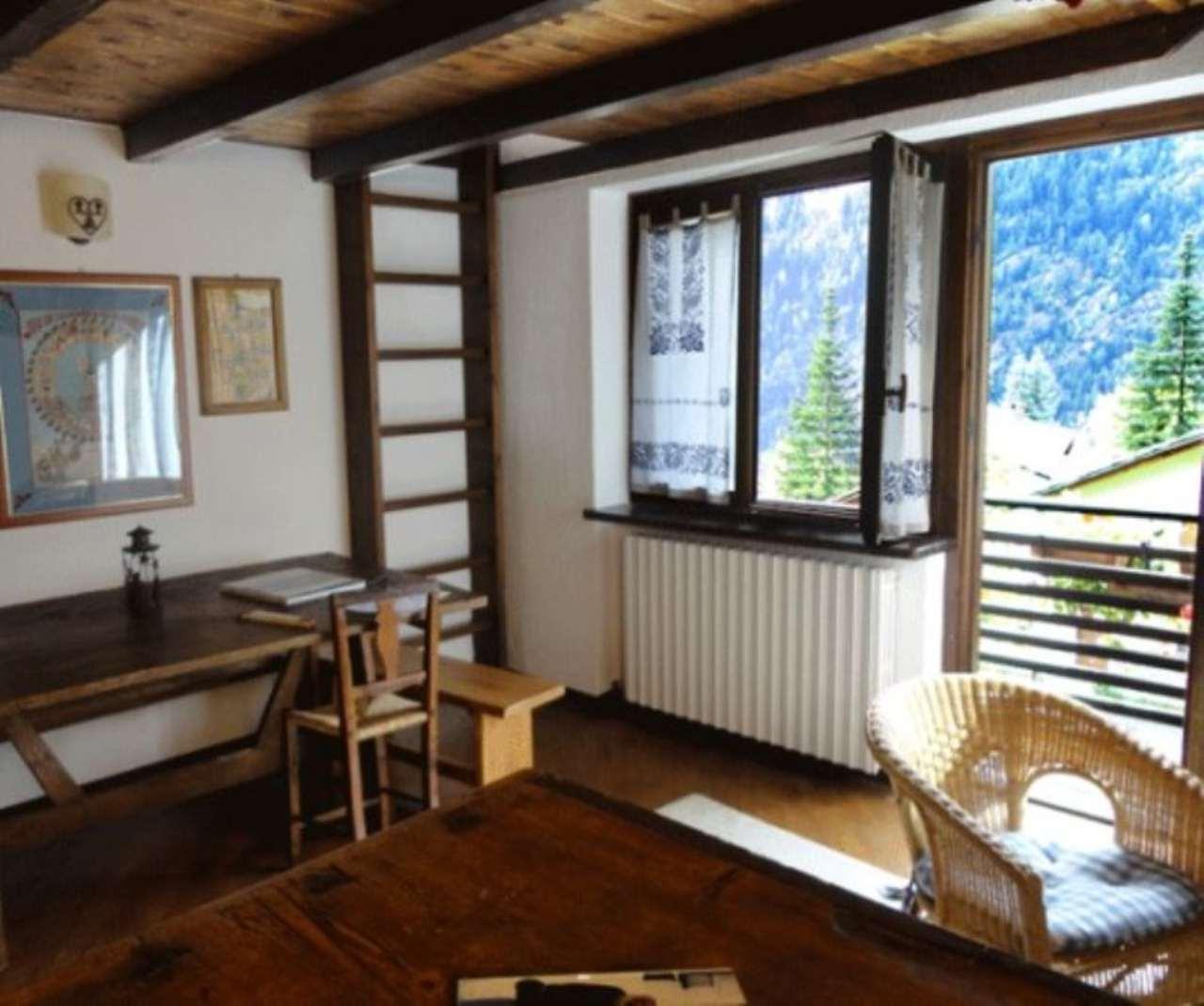 Appartamento in vendita a Courmayeur, 4 locali, prezzo € 630.000 | CambioCasa.it