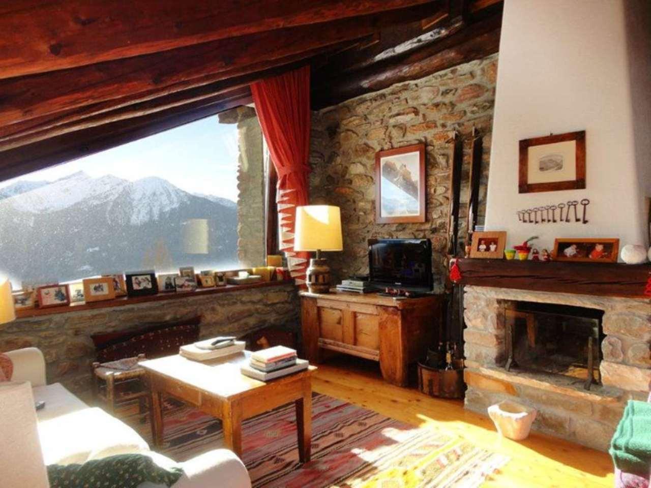 Rustico in vendita a la salle 5 locali 134 mq for Piani casa fienile rustico