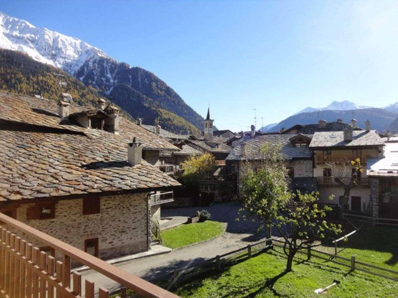Appartamento in vendita a Courmayeur, 4 locali, prezzo € 680.000 | Cambio Casa.it