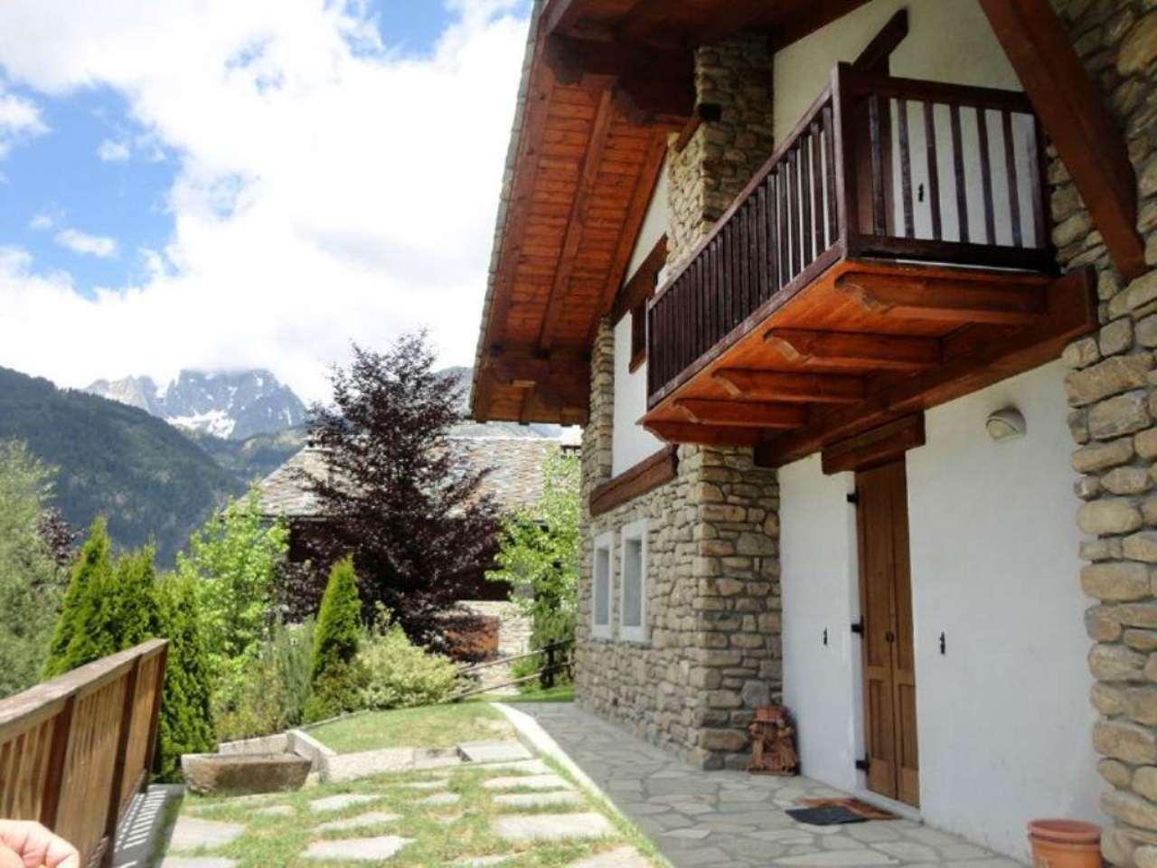 Villa in vendita a Courmayeur, 6 locali, prezzo € 800.000 | Cambio Casa.it