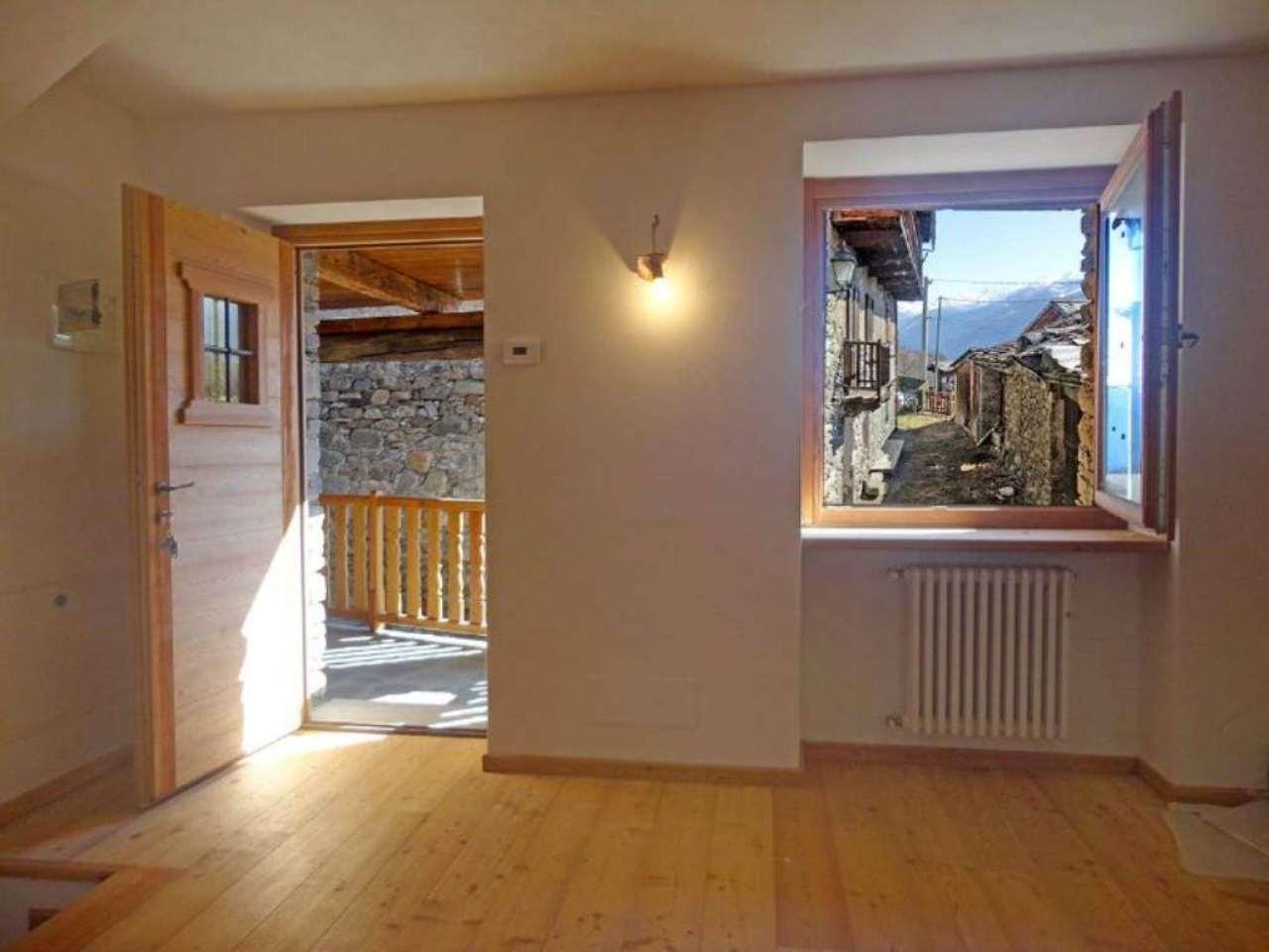 Appartamento in vendita a La Salle, 4 locali, prezzo € 190.000 | Cambio Casa.it