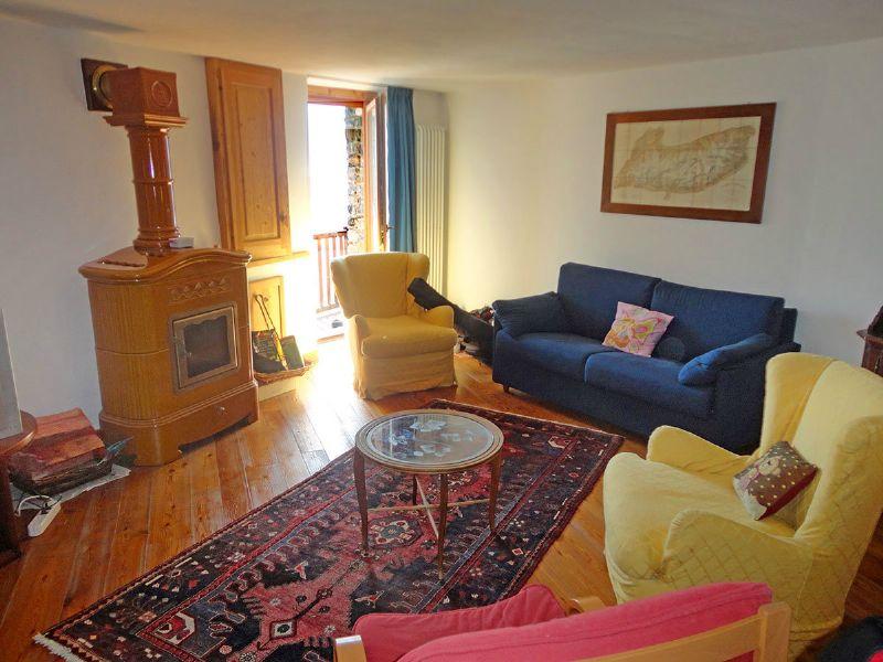 Appartamento in vendita a La Salle, 3 locali, prezzo € 260.000   Cambio Casa.it