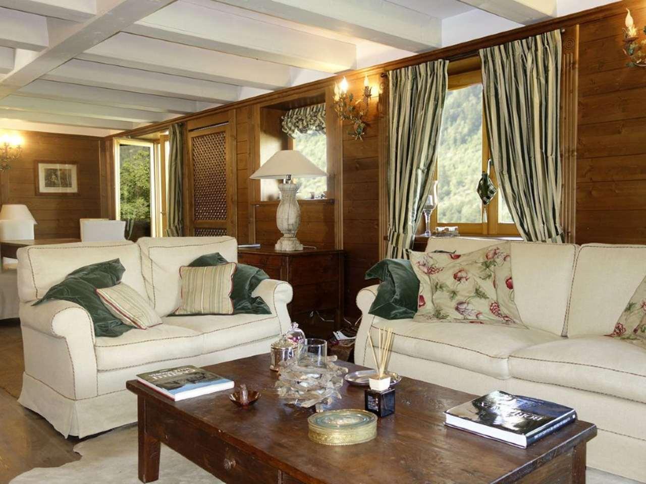Appartamento in vendita a Courmayeur, 8 locali, Trattative riservate | Cambio Casa.it
