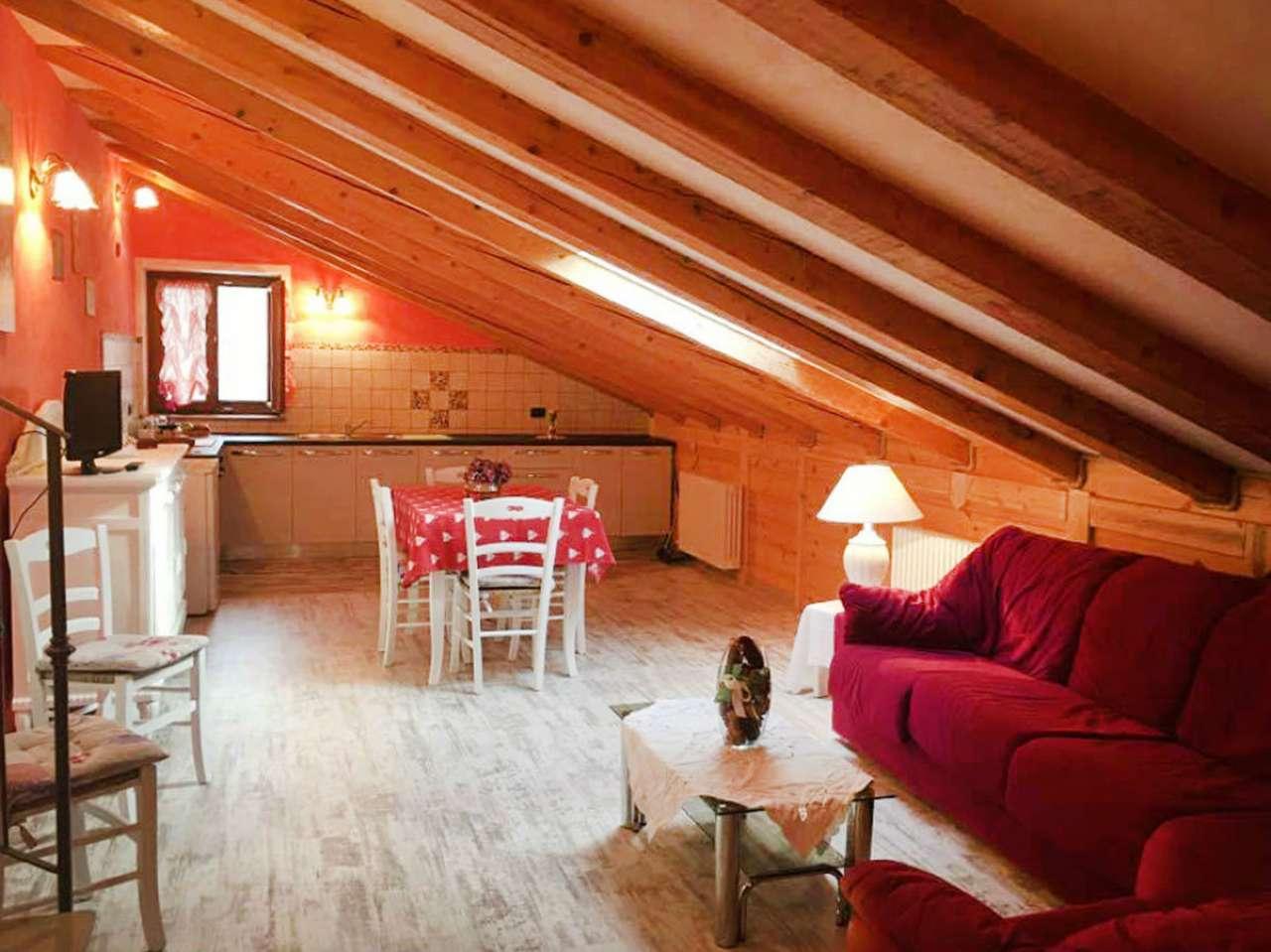 Attico / Mansarda in affitto a Roisan, 3 locali, Trattative riservate | Cambio Casa.it