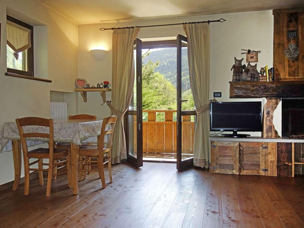 Appartamento in vendita a Prè-Saint-Didier, 2 locali, prezzo € 320.000 | Cambio Casa.it