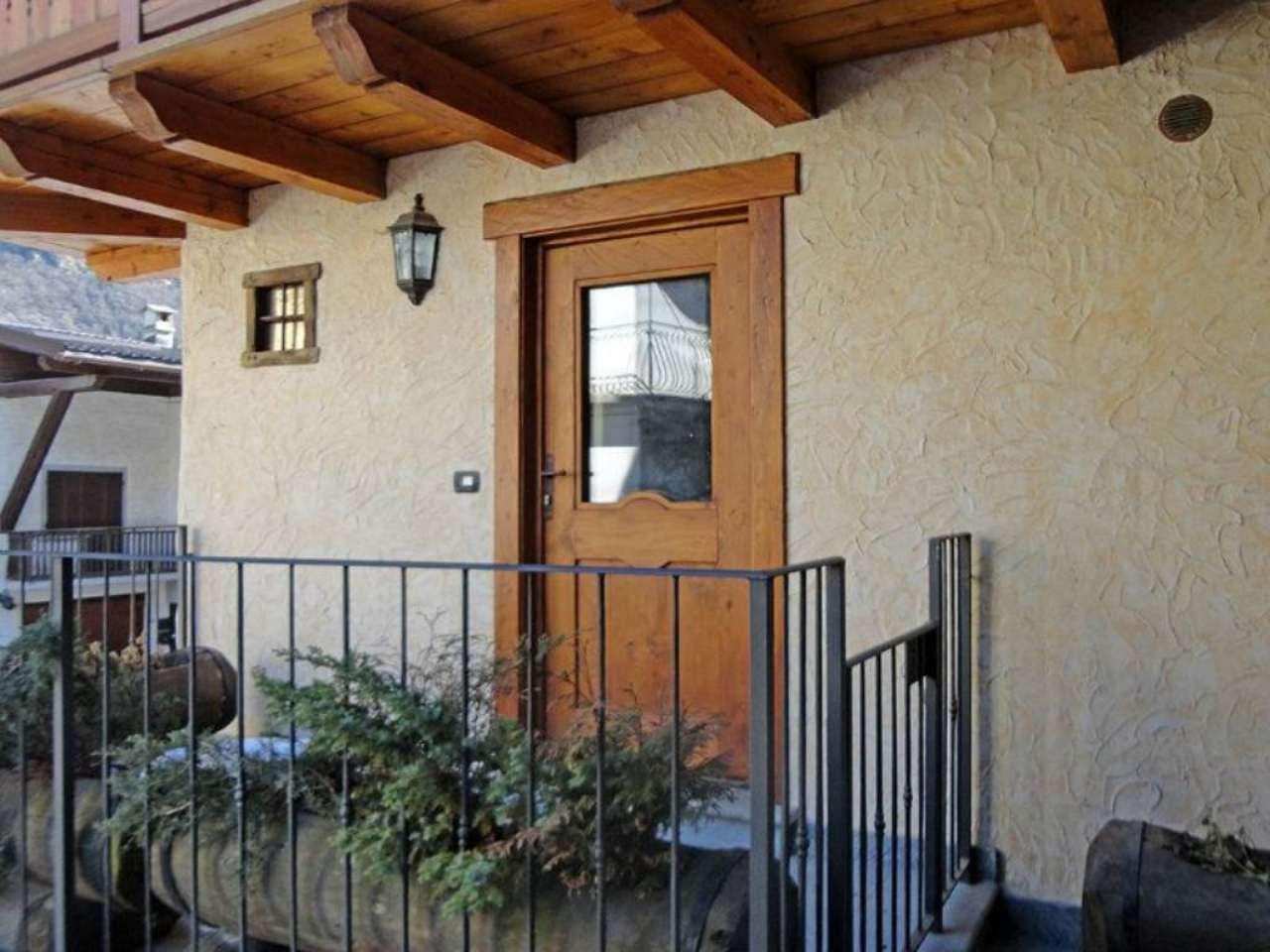 Appartamento in vendita a La Salle, 4 locali, prezzo € 270.000 | Cambio Casa.it