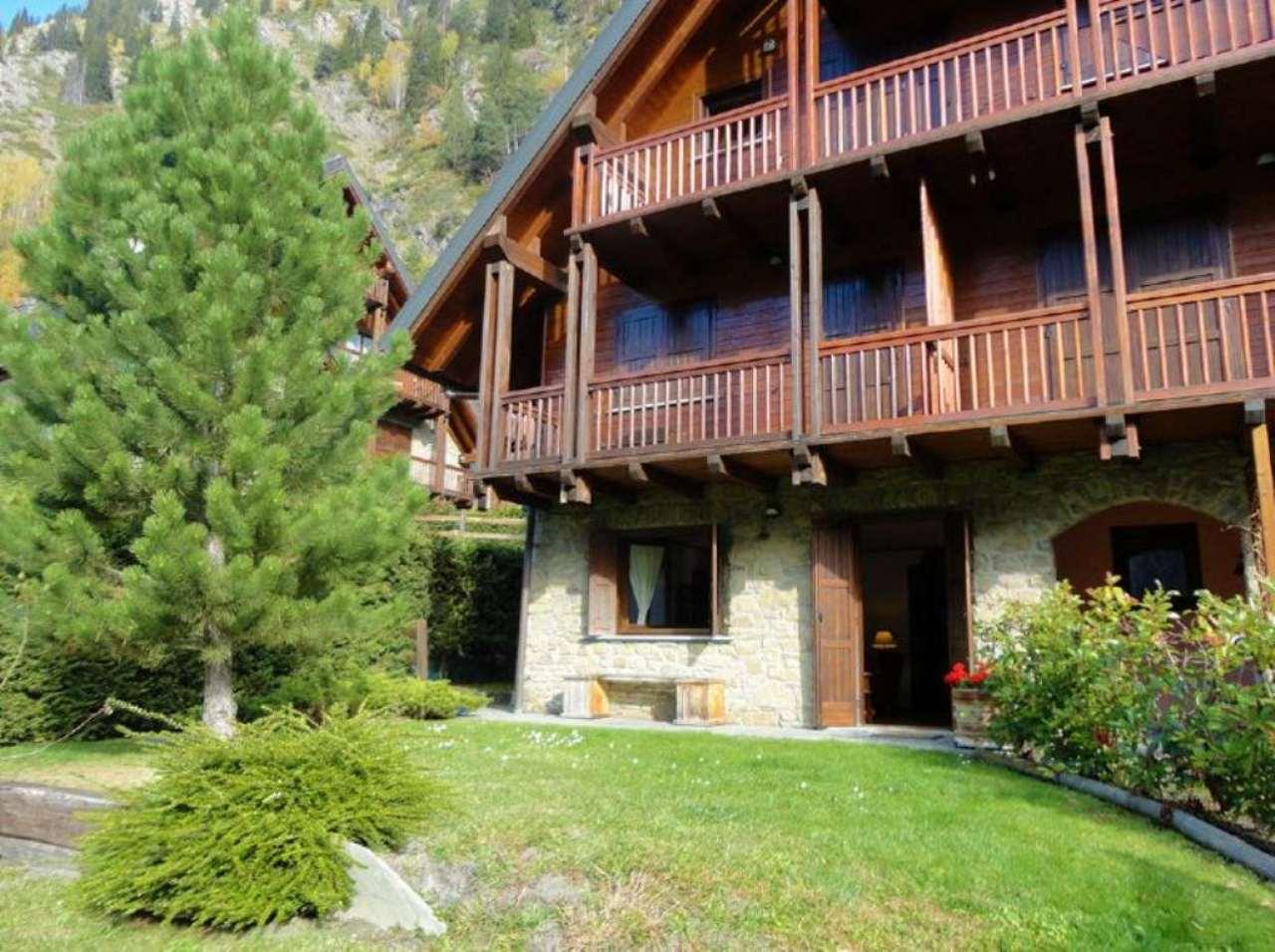Appartamento in vendita a Courmayeur, 5 locali, prezzo € 770.000 | Cambio Casa.it