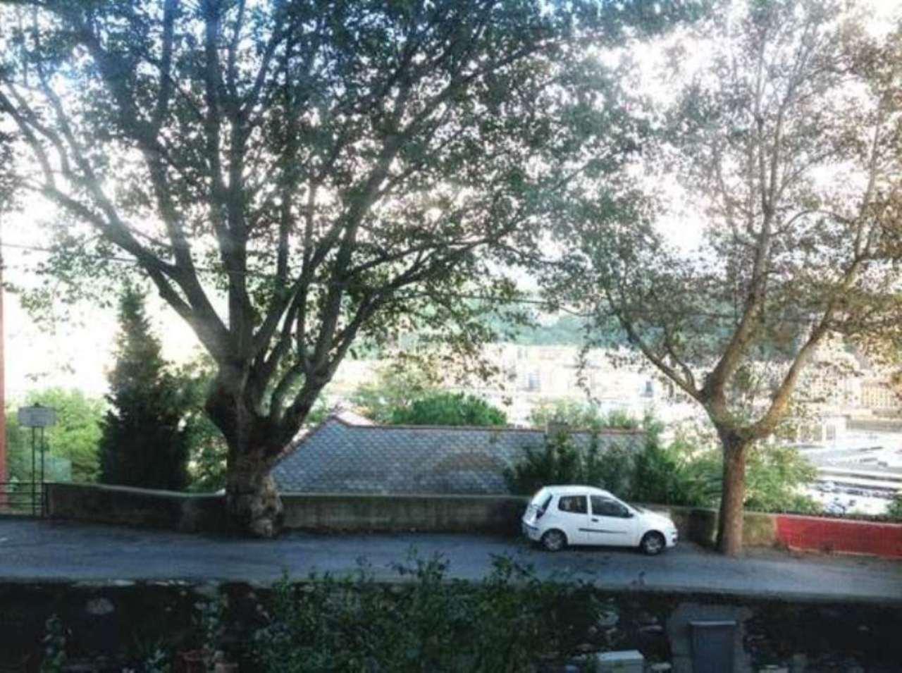 Bilocale Genova Via Coronata 4