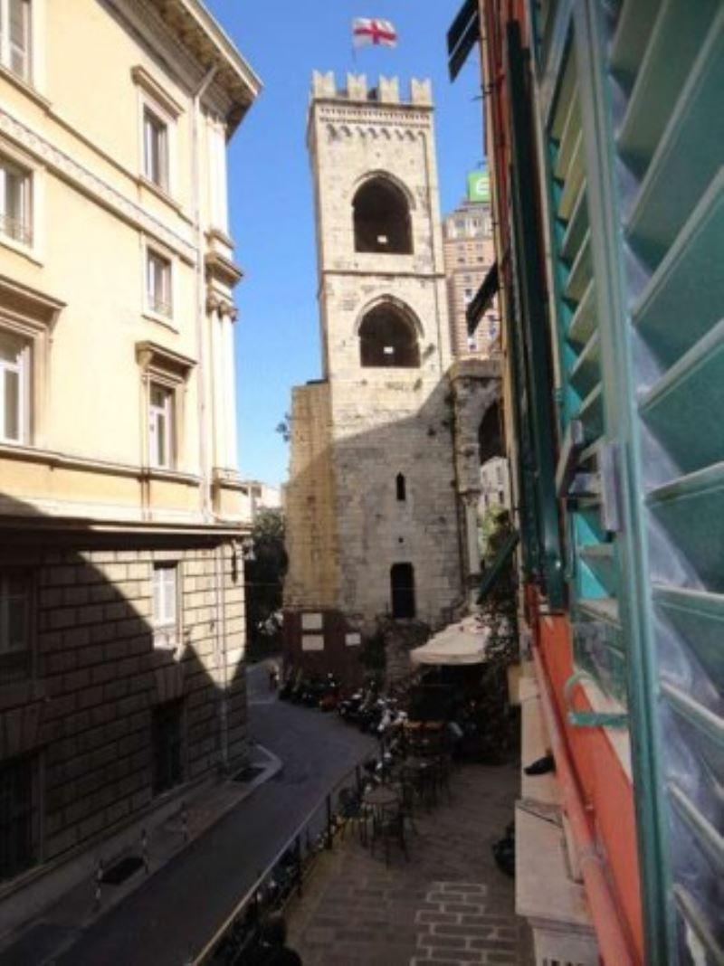 Bilocale Genova Via Di Porta Soprana 1