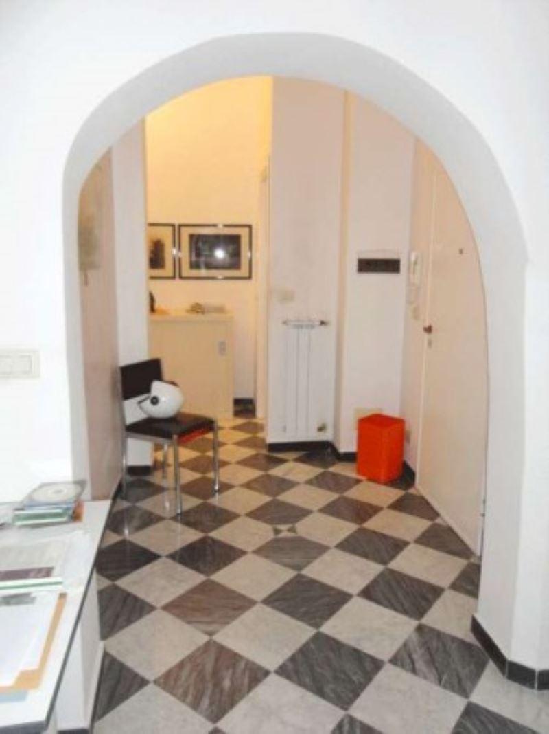Bilocale Genova Via Di Porta Soprana 7