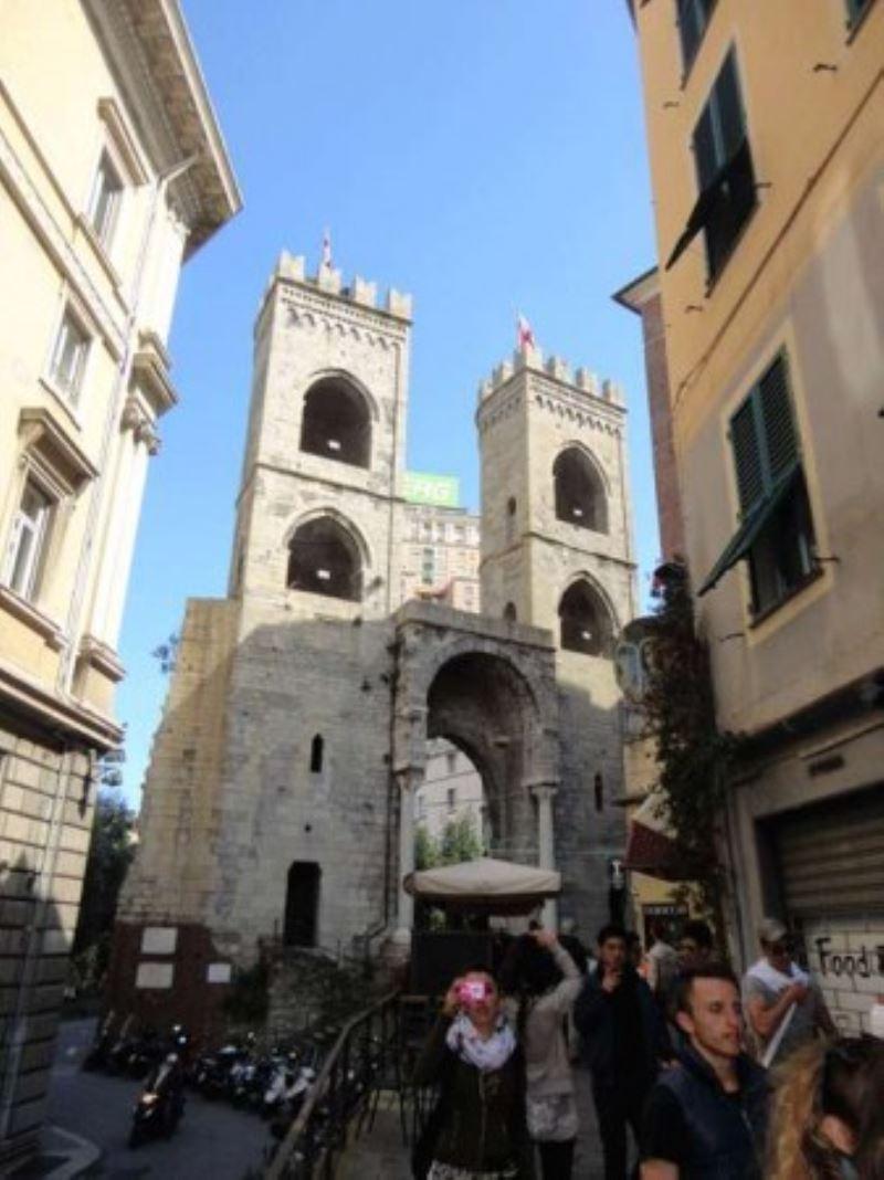 Bilocale Genova Via Di Porta Soprana 9
