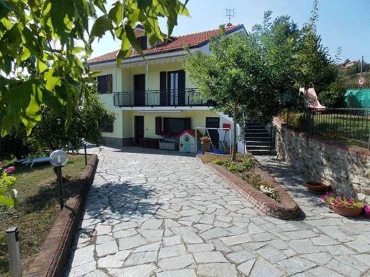 Villa in vendita a Cavatore, 6 locali, prezzo € 380.000 | Cambio Casa.it
