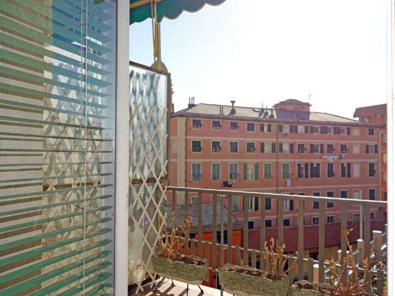 Bilocale Genova Via Oberdan 1