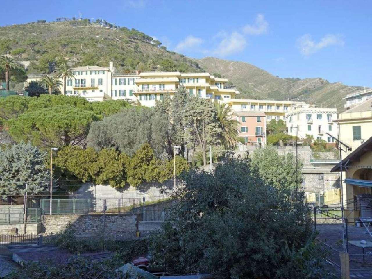 Bilocale Genova Via Oberdan 9