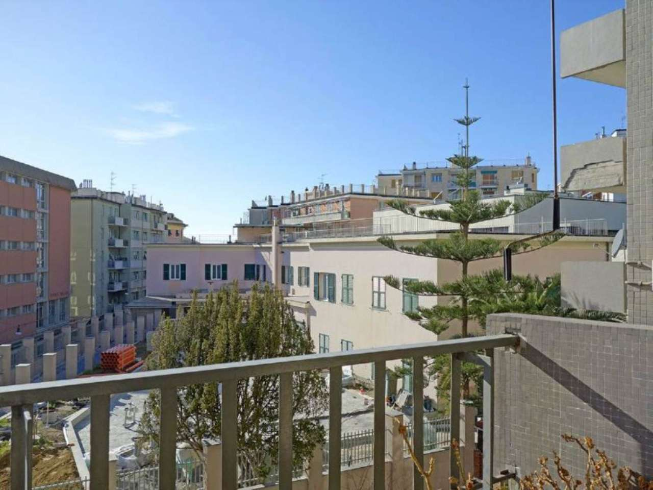 Bilocale Genova Via Oberdan 10