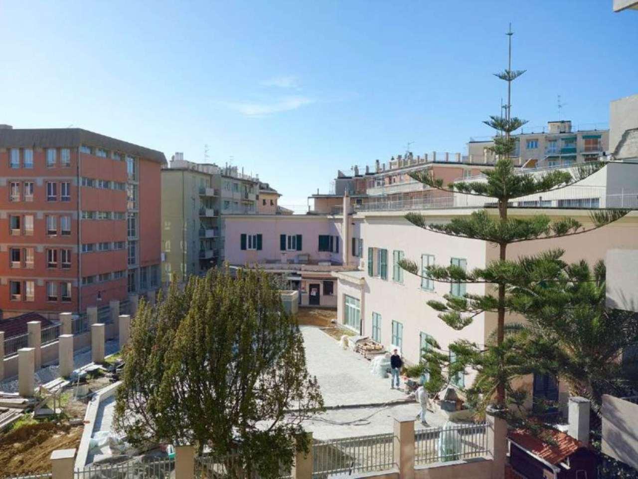 Bilocale Genova Via Oberdan 13