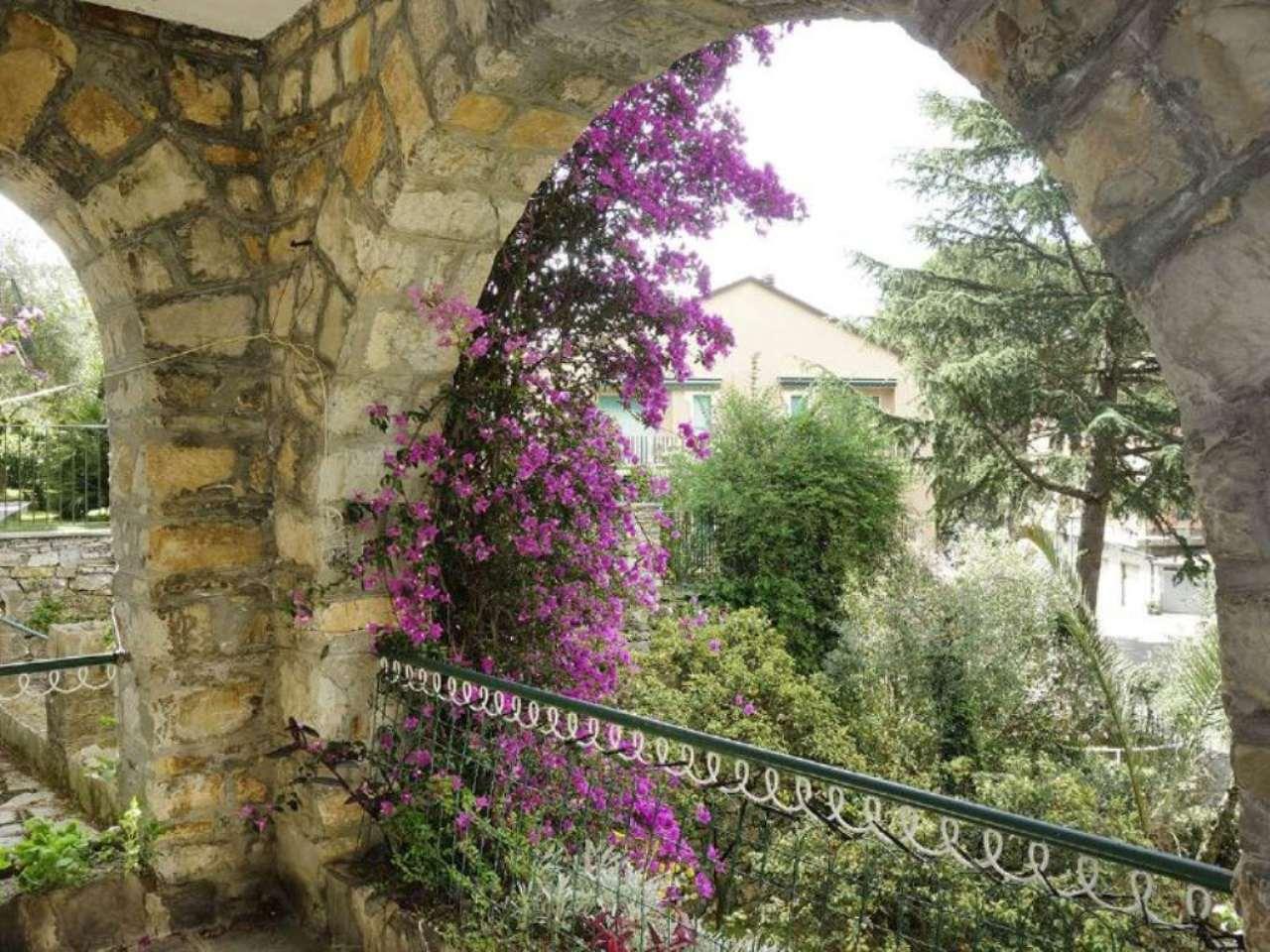 Villa in vendita a Rapallo, 15 locali, Trattative riservate | CambioCasa.it