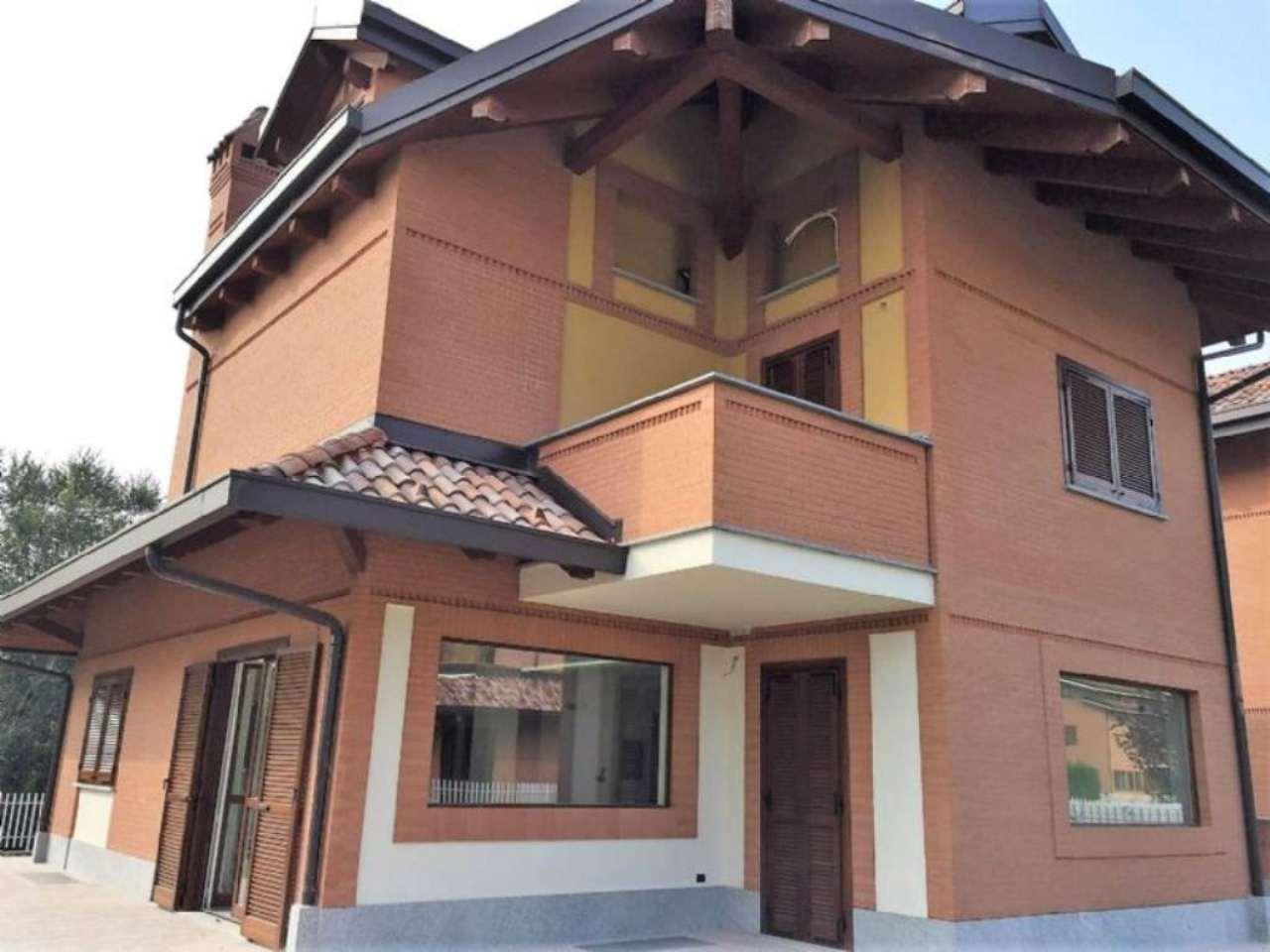 Soluzione Indipendente in vendita a Rivarossa, 10 locali, prezzo € 350.000 | CambioCasa.it