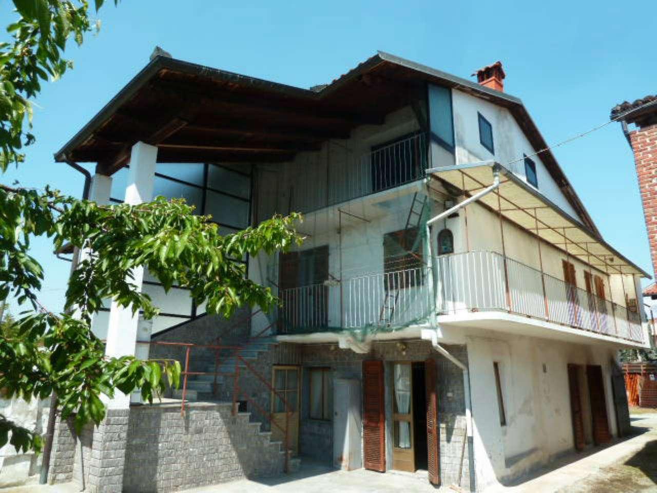 Foto 1 di Casa indipendente via Marconi, Lusigliè