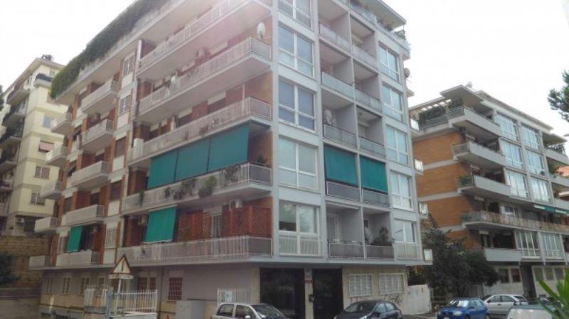 Appartamento in Vendita a Roma 22 Laurentina: 5 locali, 135 mq