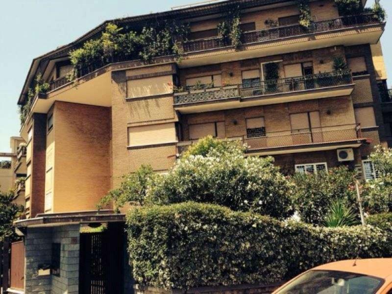 Appartamento in Vendita a Roma 22 Laurentina: 3 locali, 95 mq