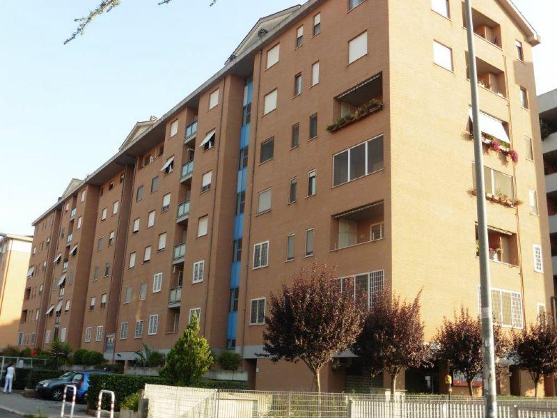 Appartamento in Vendita a Roma 22 Laurentina: 3 locali, 80 mq