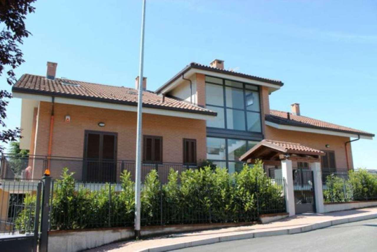 Bilocale Trofarello Via Nino Costa 3