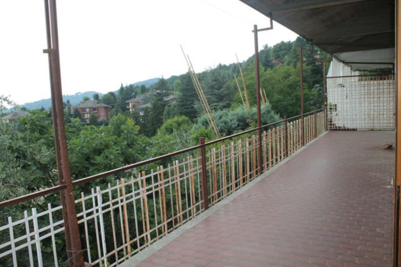 Villa Bifamiliare in vendita a Moncalieri, 7 locali, prezzo € 380.000   Cambio Casa.it