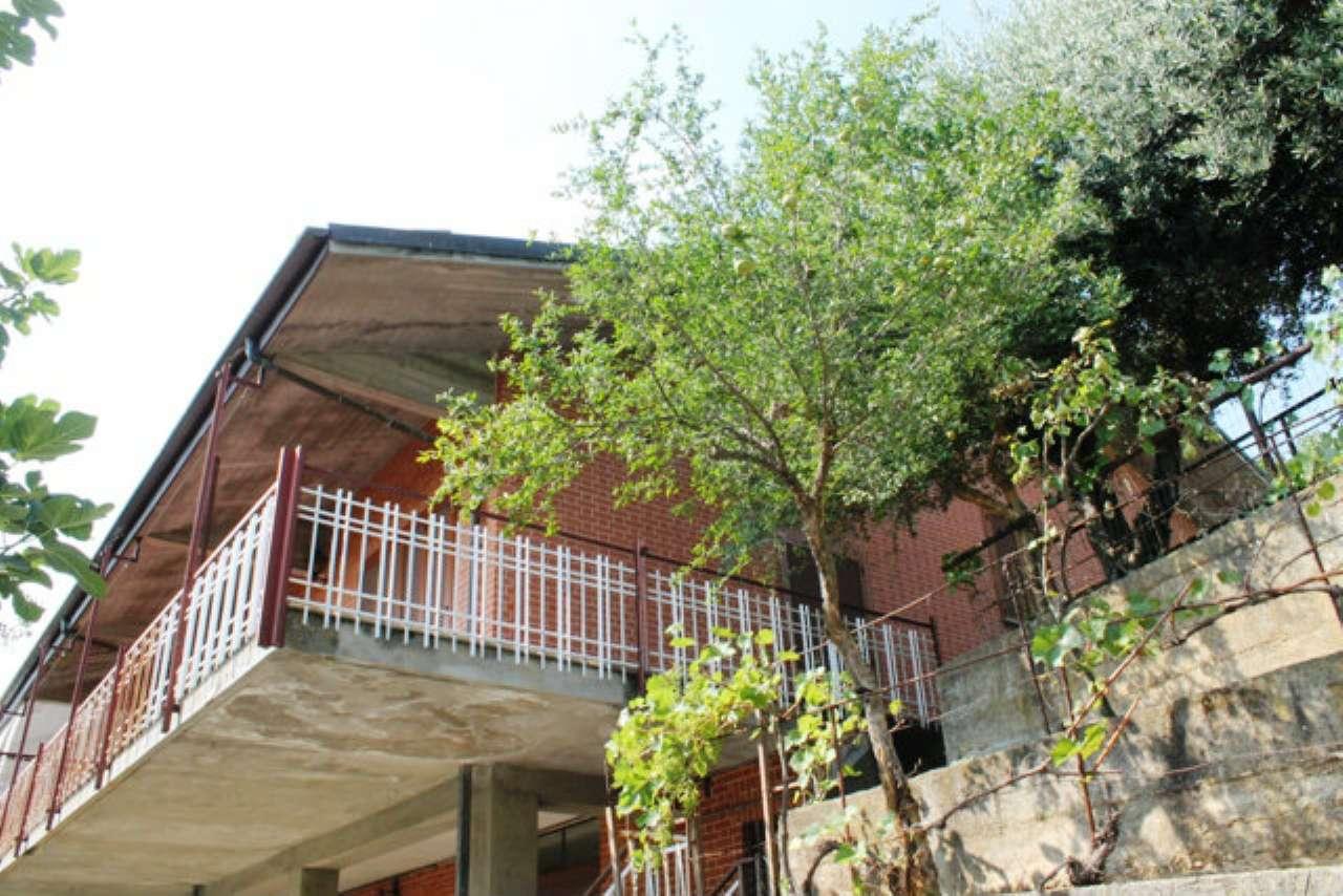 Villa Bifamiliare in vendita a Moncalieri, 7 locali, prezzo € 380.000 | CambioCasa.it