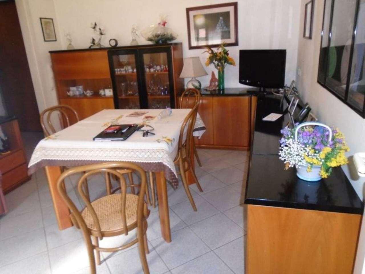 Bilocale Cinisello Balsamo Via  Monte Grappa 2
