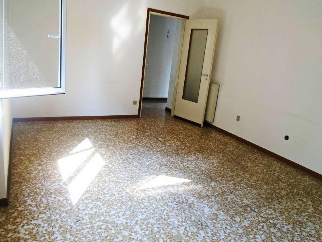 Bilocale Cinisello Balsamo Via Tasso 11