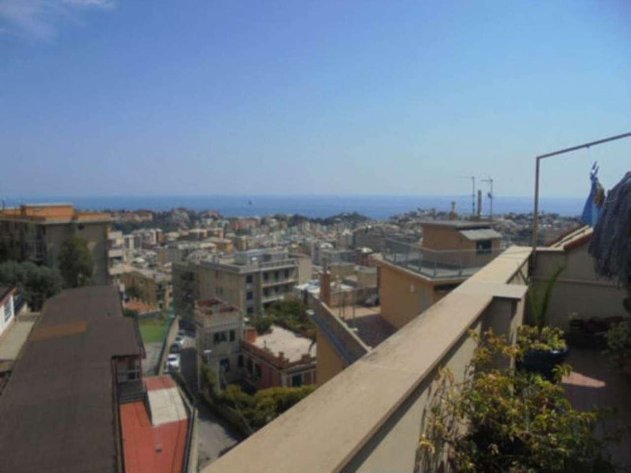 Attico / Mansarda in affitto a Genova, 4 locali, prezzo € 550 | Cambio Casa.it