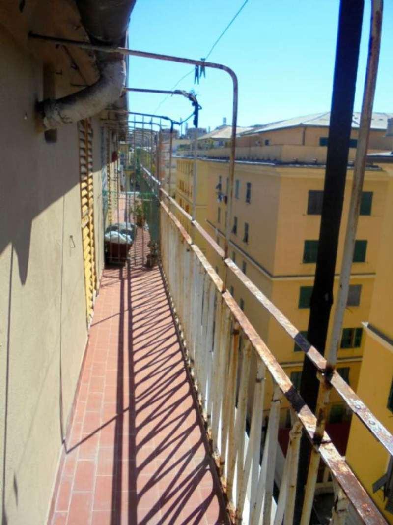 Attico / Mansarda in affitto a Genova, 4 locali, zona Zona: 1 . Centro, Centro Storico, prezzo € 800 | Cambio Casa.it