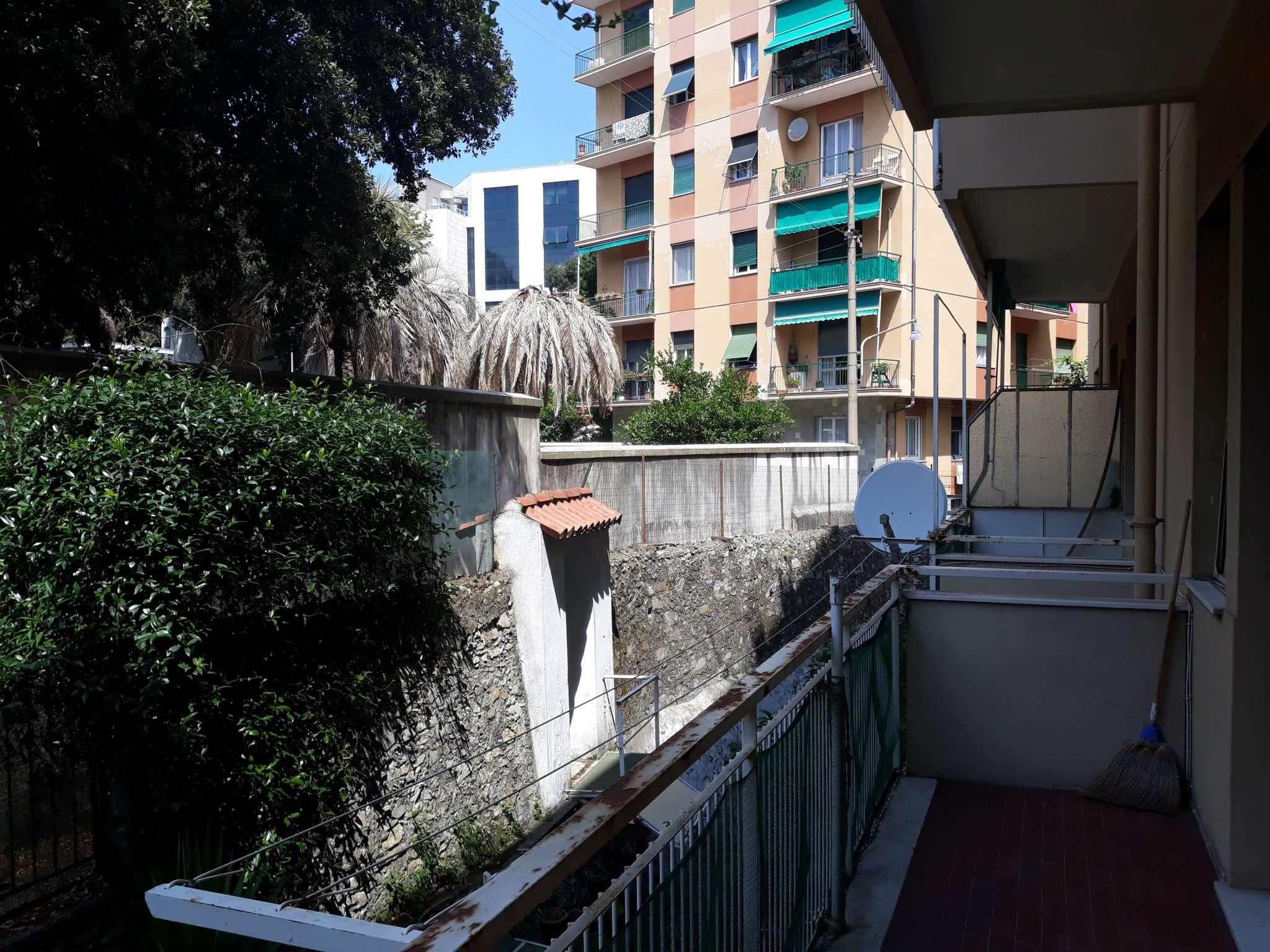 Foto 13 di Bilocale via carrara 128, Genova (zona Boccadasse-Sturla)
