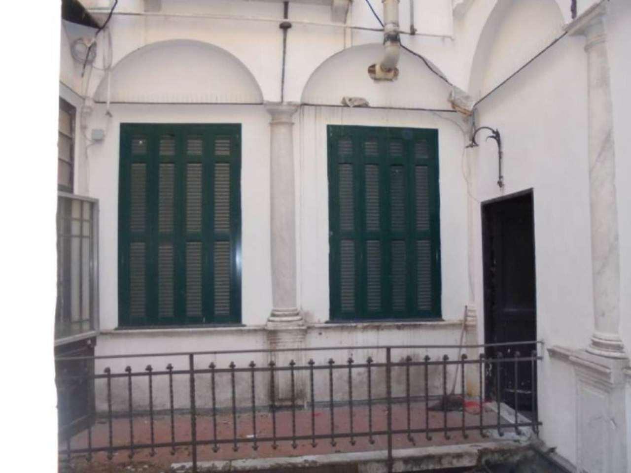 Laboratorio in affitto a Genova, 2 locali, zona Zona: 1 . Centro, Centro Storico, prezzo € 450 | Cambio Casa.it