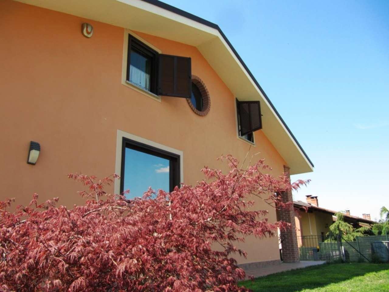 Villa in vendita a Valfenera, 8 locali, prezzo € 219.000 | CambioCasa.it