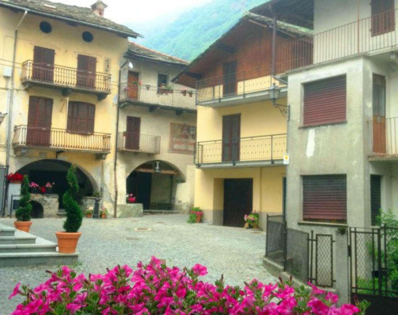 Soluzione Indipendente in vendita a Sparone, 10 locali, prezzo € 95.000 | CambioCasa.it