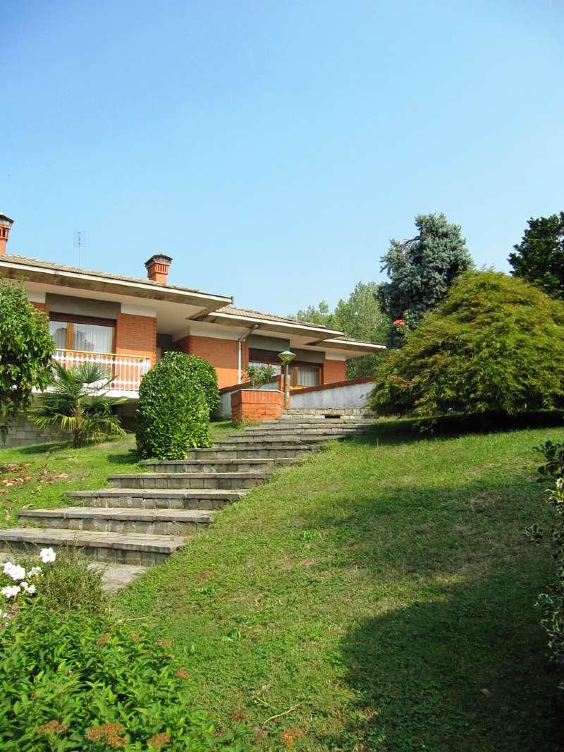 Foto 1 di Villa via TRENTO, Bosconero