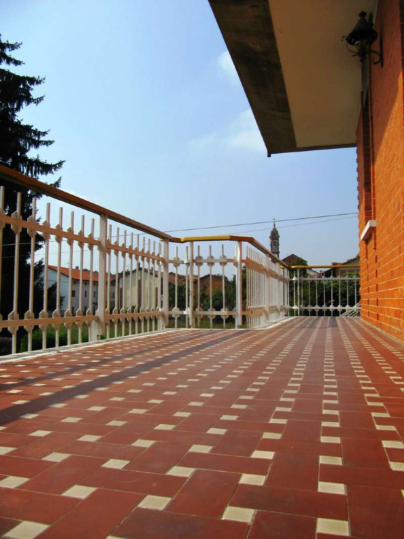 Foto 1 di Appartamento via TRENTO, Bosconero
