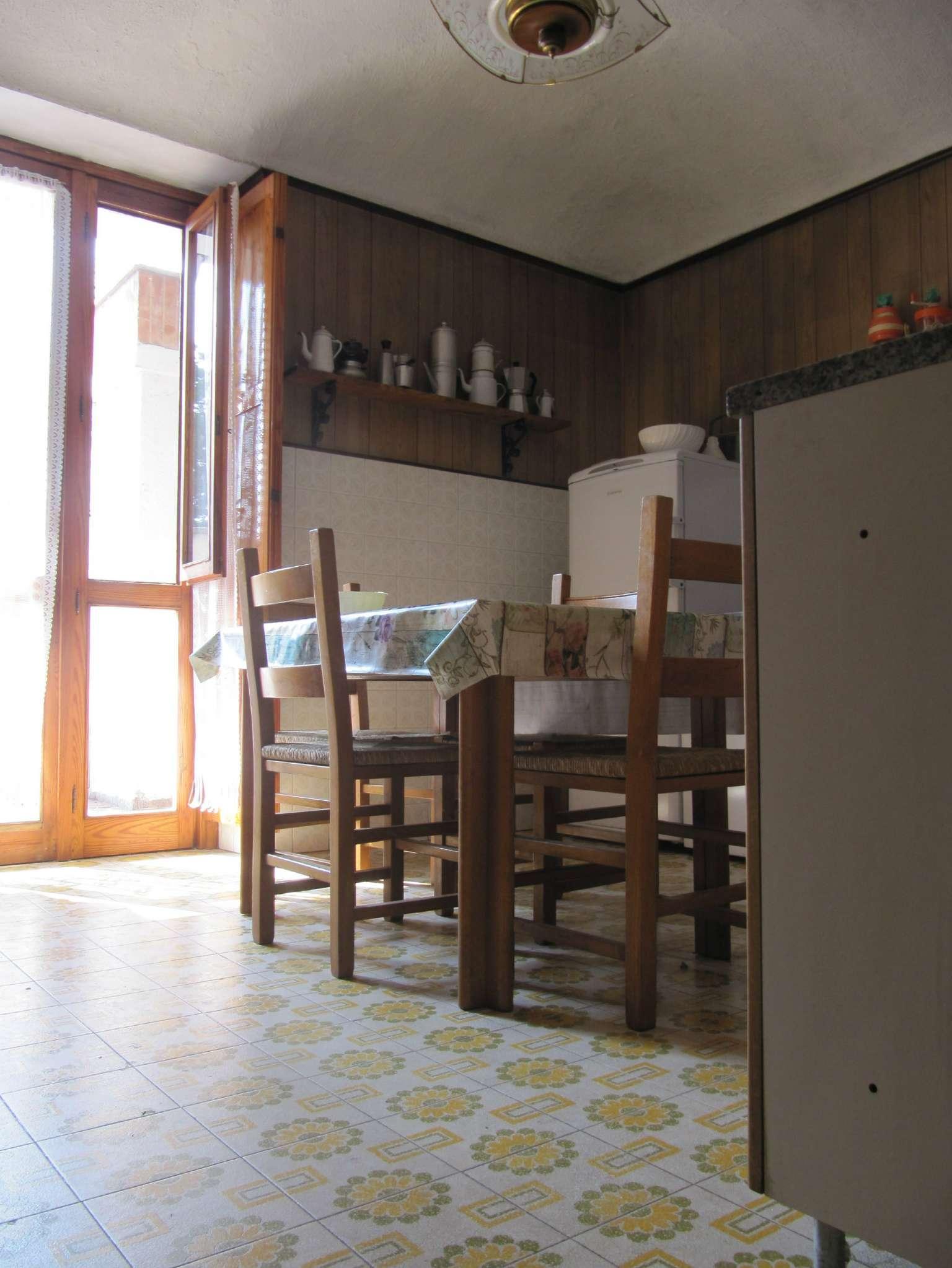 Foto 1 di Quadrilocale via TRENTO, Bosconero