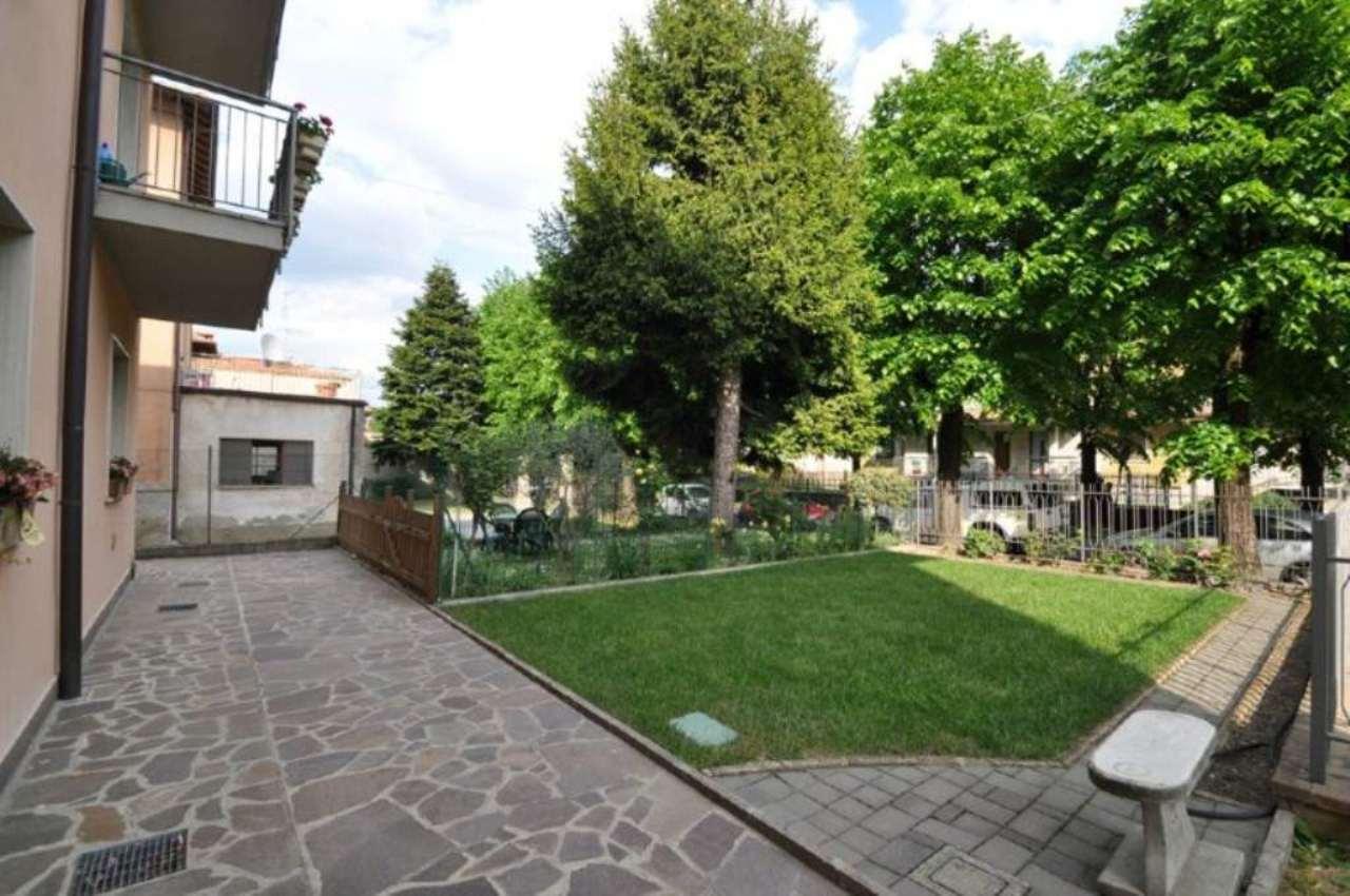 Bilocale Calusco d Adda Via San Rocco 4