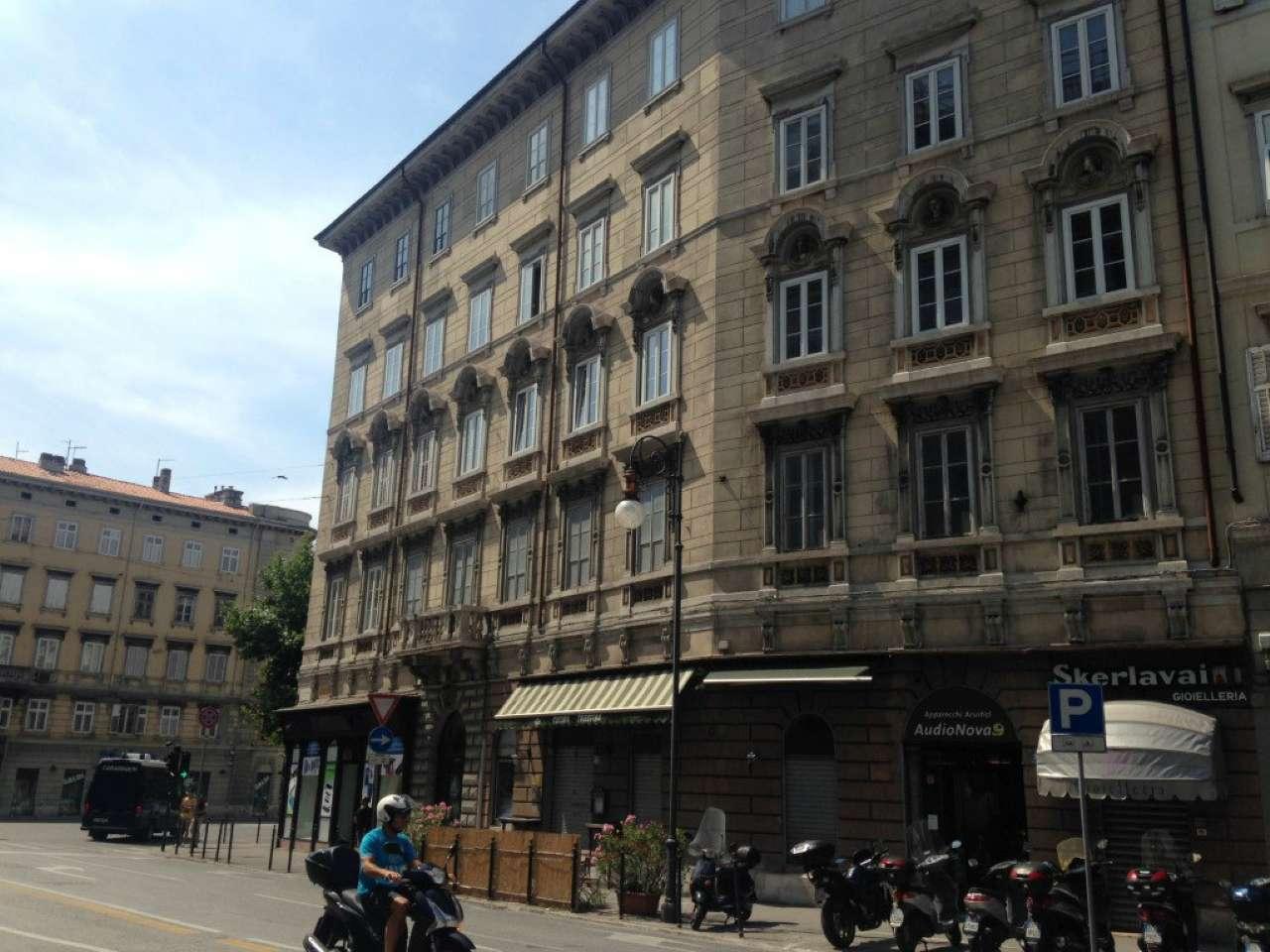 Negozio bilocale in vendita a Trieste (TS)