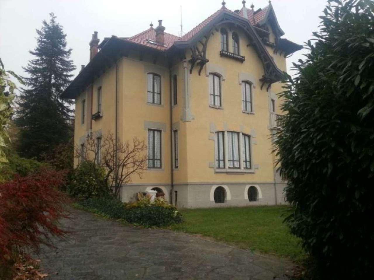 Villa Tri-Quadrifamiliare in Vendita a Coazze