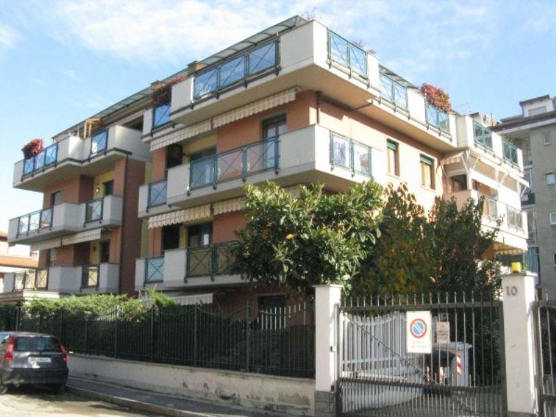 Appartamento in vendita a Grugliasco, 7 locali, prezzo € 431.000 | Cambiocasa.it